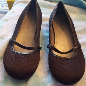 Predictions size 8.5 black flats w/strap, quilted